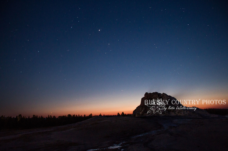 stars twinkle over White Dome Geyser at twilight